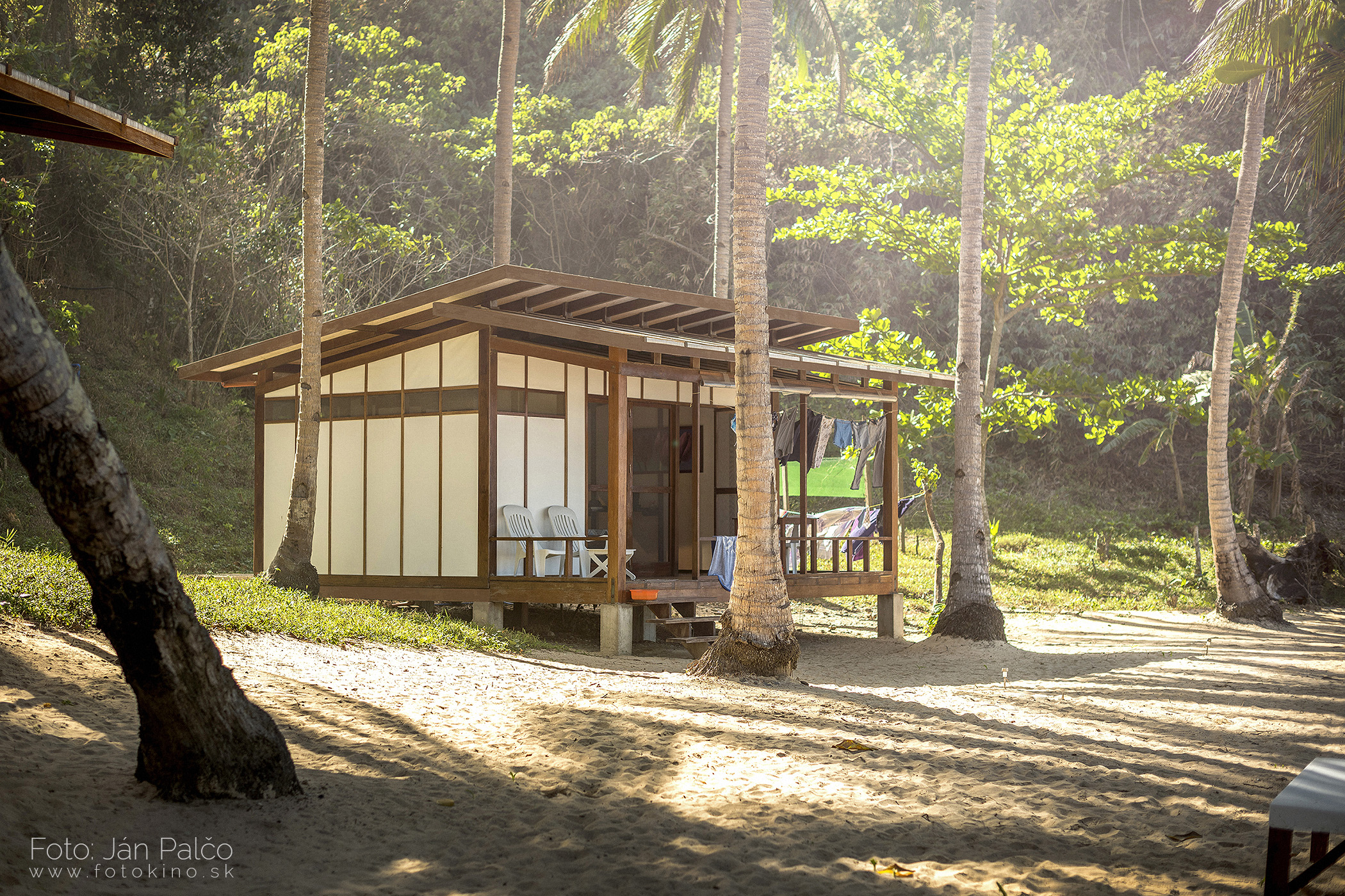 Duli Beach Resort Bungalow